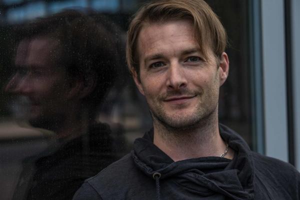 Daniel Spalinger Founder von neverain und Designer des Regen-Overall